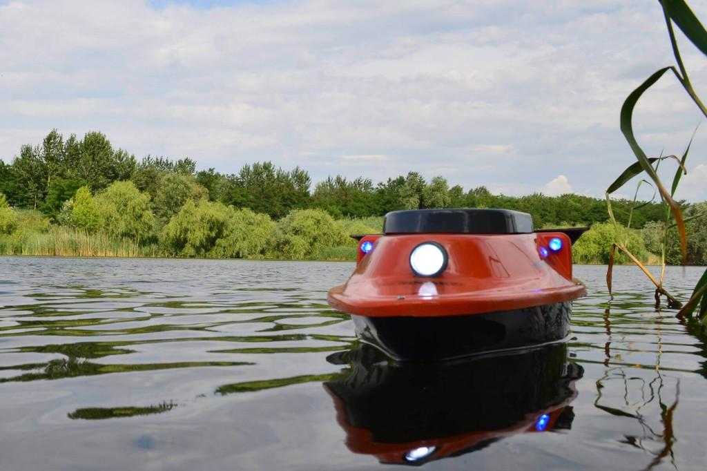proiector lumini navoplantat rocarp pe apa
